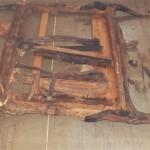 rokoková lavice,části nohou shnilé, části chybí