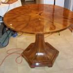 stůl po opravě